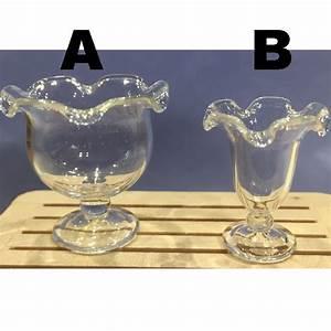 Saladier En Verre : saladier ou coupe a glace en verre vide ~ Teatrodelosmanantiales.com Idées de Décoration