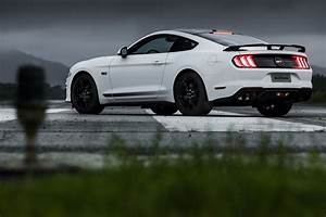 2020 Ford Mustang GT 5.0 - Fastback Coupe - Black Shadow Edition - Exterior 017 - rear three ...