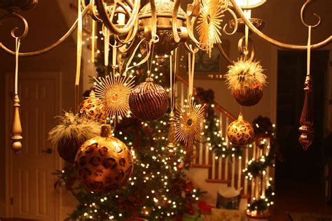 Anyone Can Decorate: Christmas Chandelier   DIY Craft