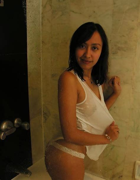 Indonesian Maids In Hong Kong 8 Pics