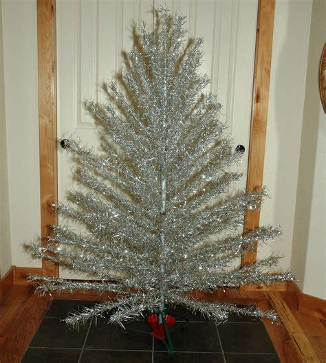 aluminum christmas tree with vintage metal christmas tree