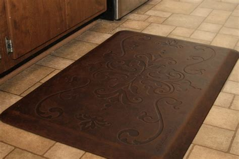 green kitchen mat comfort in the kitchen with wellnessmats 174 just of 1417