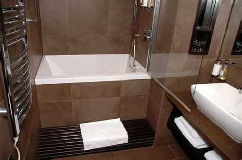 Best Bathtubs For Small Bathrooms by Small Soaking Bathtub Shower Combo Great For Small