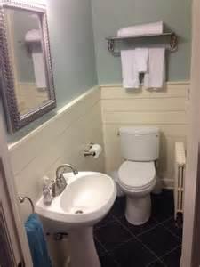 Bathroom Horizontal Wainscoting Ideas
