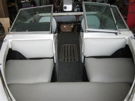Upholstery Forum by 25 Best Ideas About Boat Seats On Pontoon