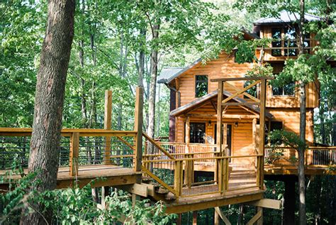 single houses rustic treehouse lodging in berlin ohio