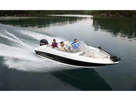 Best Bowrider Boats For The Money 2017 by 19 Best Images About Bayliner Boats On Boats