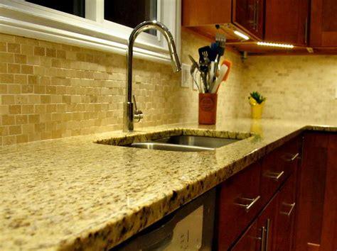 venetian gold granite   kitchen backsplash ideas