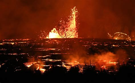 Volcano Images In Pictures Hawaii S Kilauea Volcano Erupts