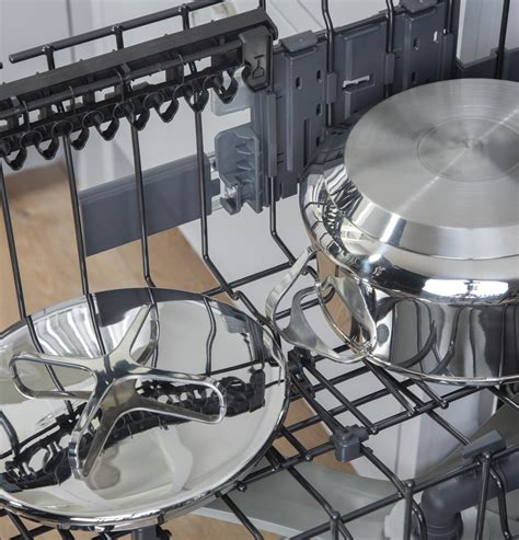 cdtpns cafe  dishwasher stainless interior  db  rack