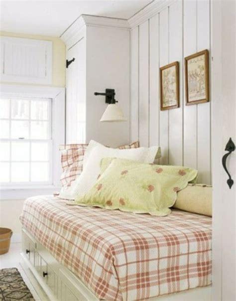 schlafzimmer klein rosa karo bettdecke dekoration schlafzimmer klein zimmer