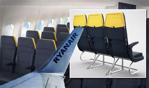ryanair flights   seats    pockets