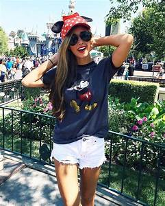 Best 25+ Disneyland outfits ideas on Pinterest | Outfits for disney Womens converse outfit and ...