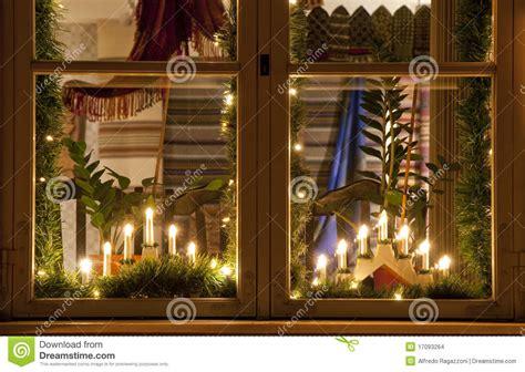 weihnachtsdeko fenster elektrisch weihnachtskerzen stockfoto bild glas weich kerzen