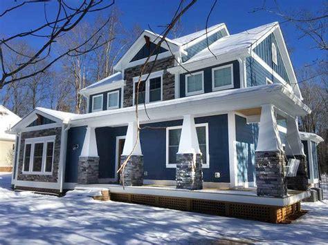 craftsman house plan   shaped porch la