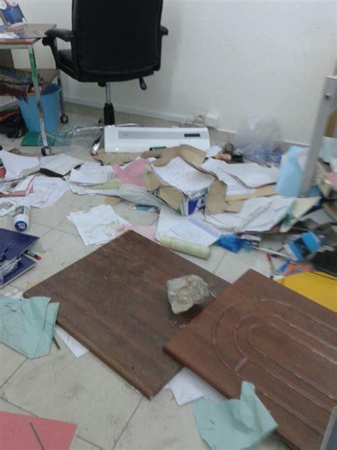 bureau du directeur coud le bureau du directeur diouf sarr saccagé