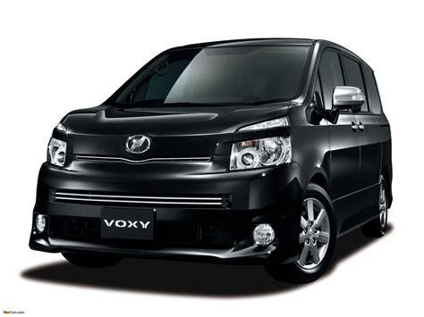 Toyota Voxy Picture by Toyota Voxy Zs Kirameki Ii 2009 10 Pictures 2048x1536