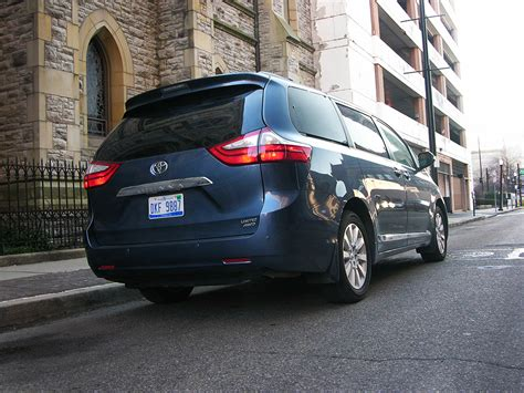 toyota amerika 2016 toyota sienna review check out america s only awd