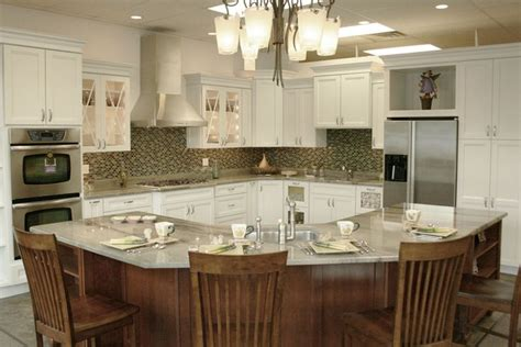 cambria kitchen cabinets best 25 kraftmaid kitchen cabinets ideas on 1958