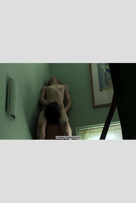 Sara Forestier topless and fully nude in Love Battles