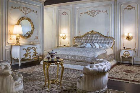 camera matrimoniale classica  particolari oro