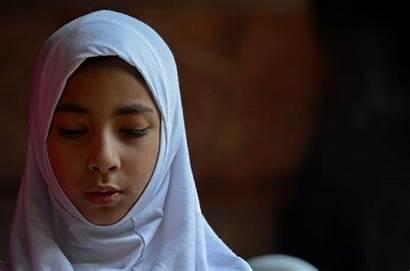 Muslim Woman Prayer Daughter Eid Praying Kashmiri