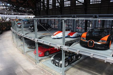 Niggas be like i woke up in a new bugatti. Bugatti Veyron Supersports | Garage design, Ultimate garage, Mansions