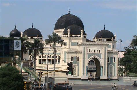 rindu masjid masjid raya al mashun medan sumatera utara