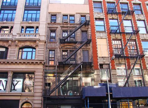 Nyc Apartment Laws by Landlord Tenant Battle Nyc Rent Stabilization