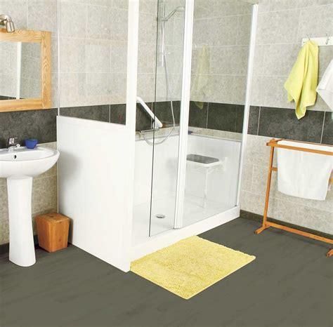 installer salle de bain installation de salle de bain pour pmr handicap 233 personnes 226 g 233 es senior bains