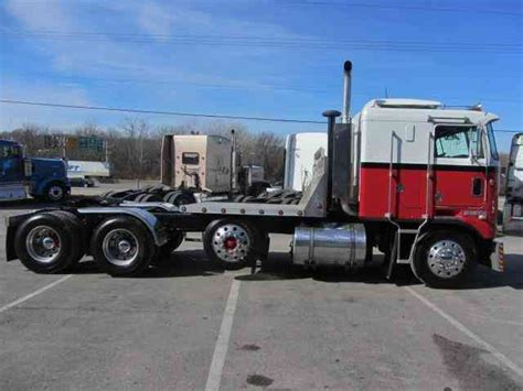 kenworth   sleeper semi trucks
