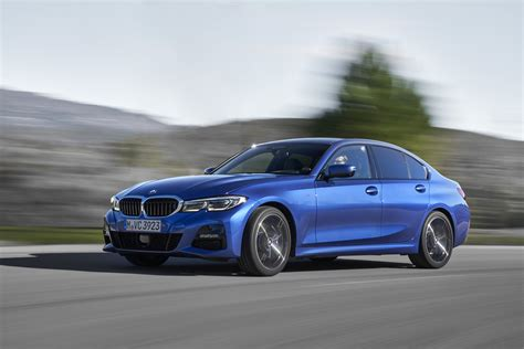 2019 bmw 3 series first review benchmark or bookmark