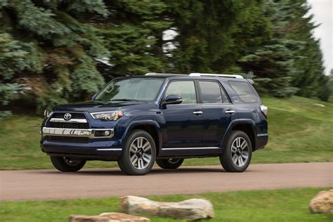 2017 toyota 4runner limited 2017 toyota 4runner reviews and rating motor trend