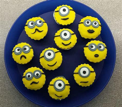minions kuchen minions cupcakes mit fondant phideta chefkoch de