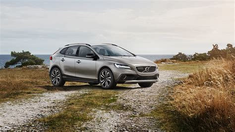 volvo launches updated    cross country autodevot
