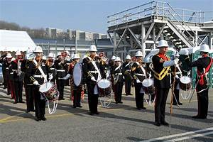 Royal Navy warship welcomed home from operations - GOV.UK