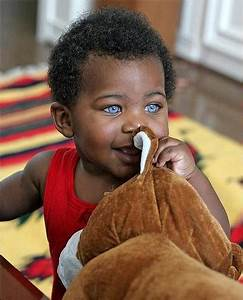 cute baby with big beautiful blue eyes.jpg (5 comments)