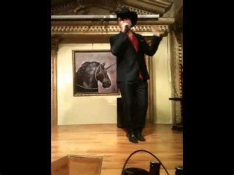 Mike Salazar (el Unicornio) Funnydogtv