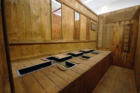 bureau de change monnaie a la d 233 couverte des galeries d du marais en compagnie du club barter culturez vous