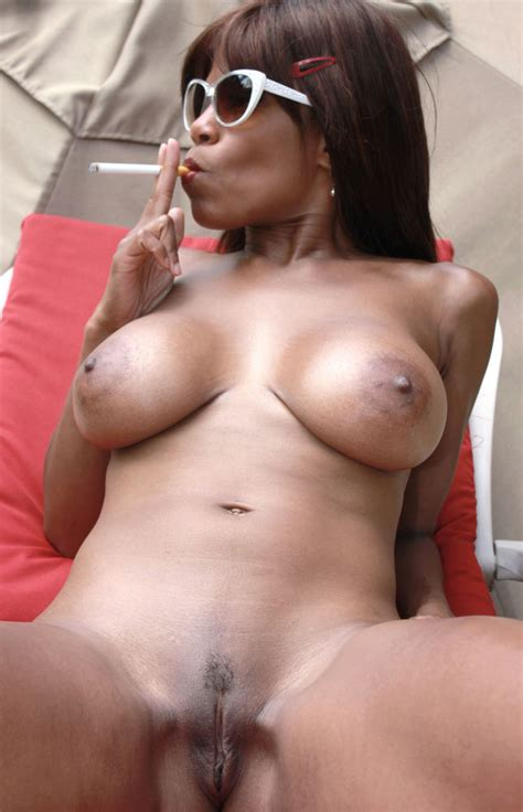 Raven Swallowz Ebony Fitness Bikini Model And Pornstar Smoking Fetish Photos Photo Album By