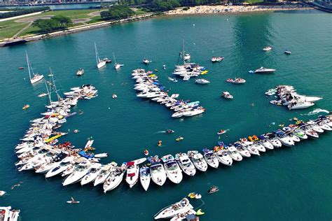 Chicago Party Boat by Chicago Scene Boat Party Charter Boats Available