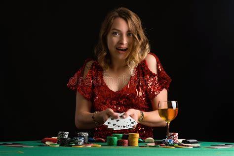Pelayanan Maksimal dari Website Judi Online Poker88 - Bola ...
