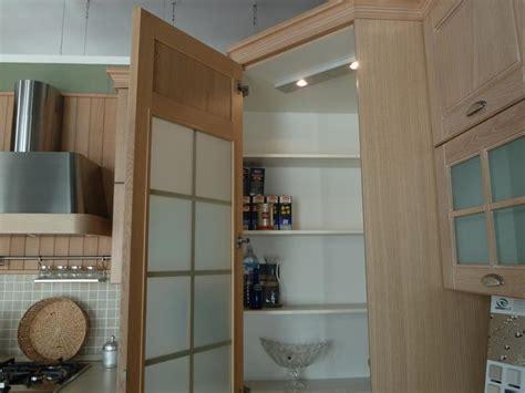 cucina con dispensa angolare cucine con angolo dispensa cucine con struttura in