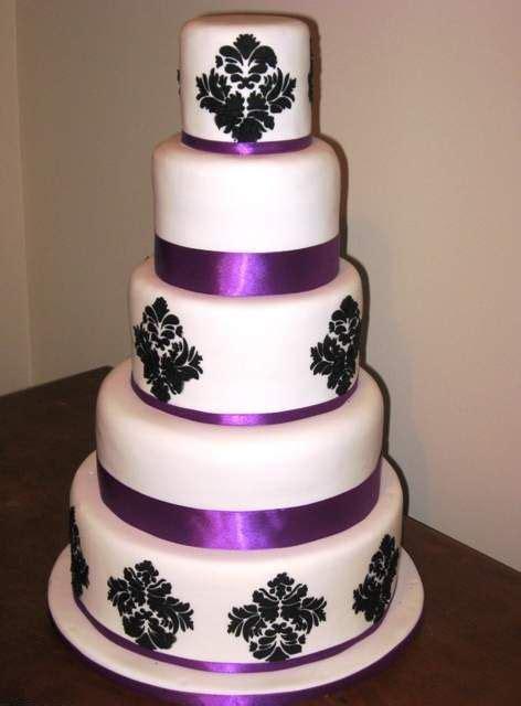 ideas  damask wedding cakes  pinterest