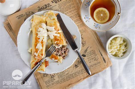 Plānās pankūkas ar malto gaļu un sēnēm