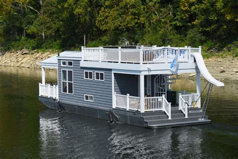 tiny harbor cottage houseboat tiny houseboat  sale