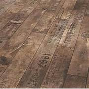Idee Di Parquet Economico Realizzato In Pallet Di Legno BCasa Kitchen Floor Tile Wood Floor Style Old Home Remodel Traditional Right Out Of The Box Engineered Wood Floor Styles This Old House Contemporary Country Fusion Kitchen With Brass Accents On The Stove