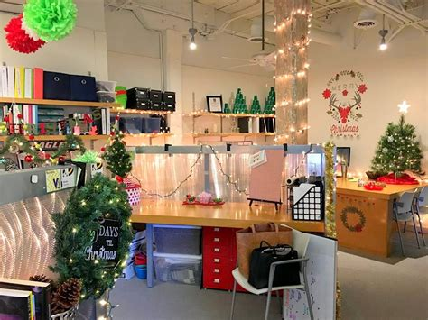 40 New Christmas Cubicle Decorations & Christmas Office