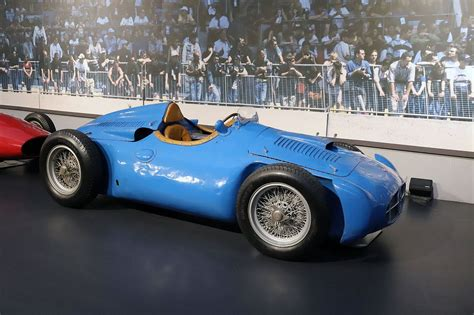 This car was never succesful, due to various reasons, some of them being the lack of funding, the stubborness of roland bugatti, who insisted on. Bugatti Type 251/ Transverse/Transverse straight 8 mid-engined 1950's GP car