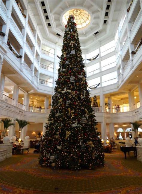 grand floridian christmas tree grand floridian resort 2012 tree 3 171